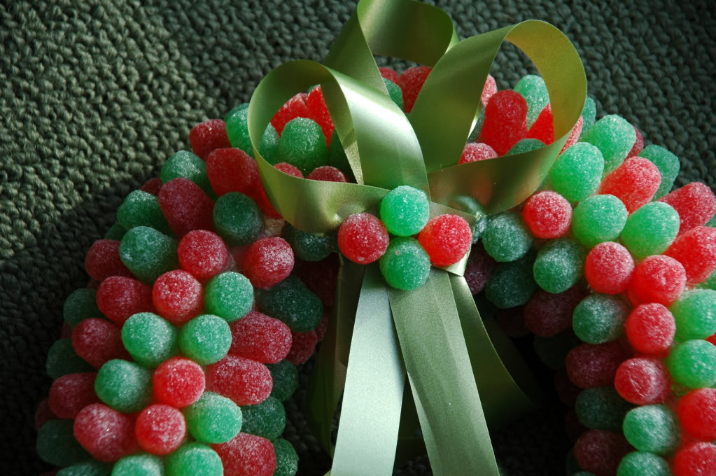 Classroom Holiday Ideas ~ Christmas wreath crafts for kids